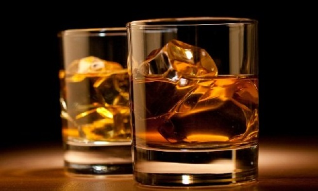 Алкоголь провоцирует головные боли