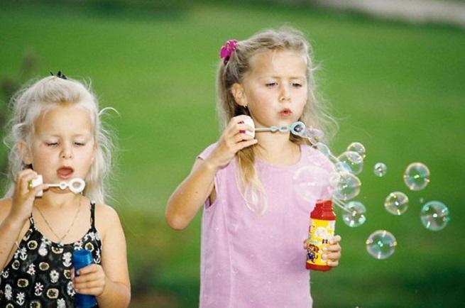 Игра с мыльными пузырями