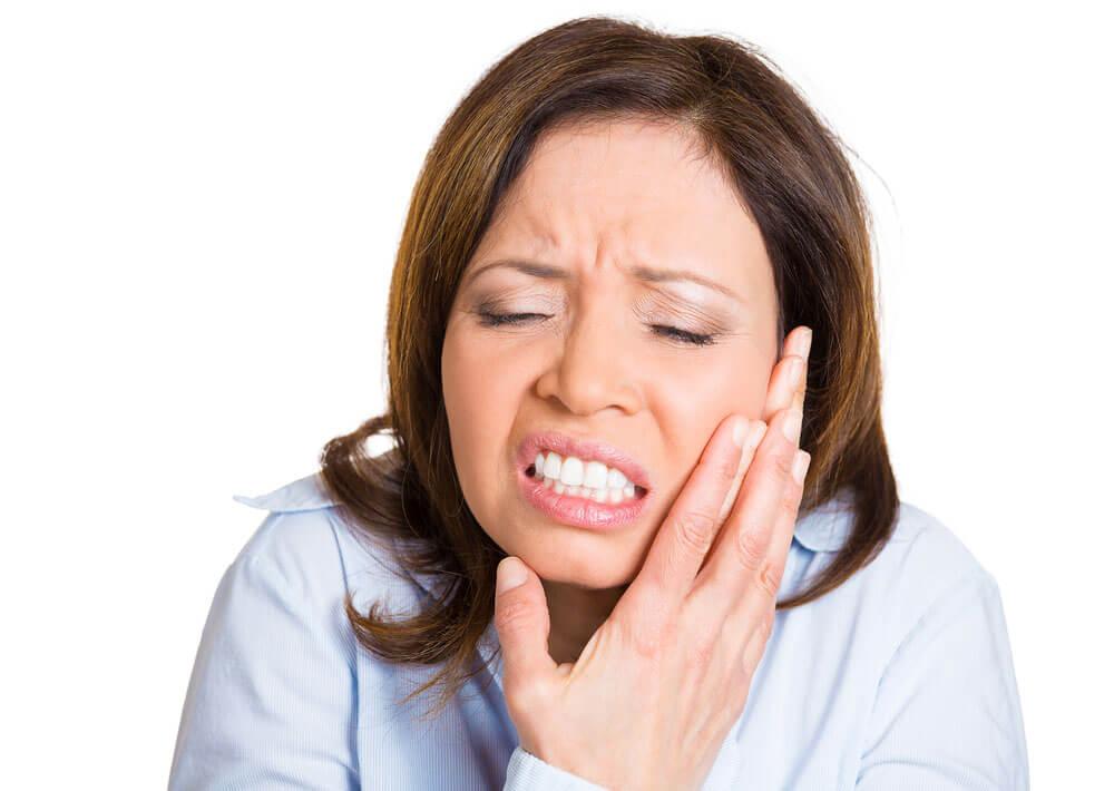 Поражение лицевого нерва всегда болезненно